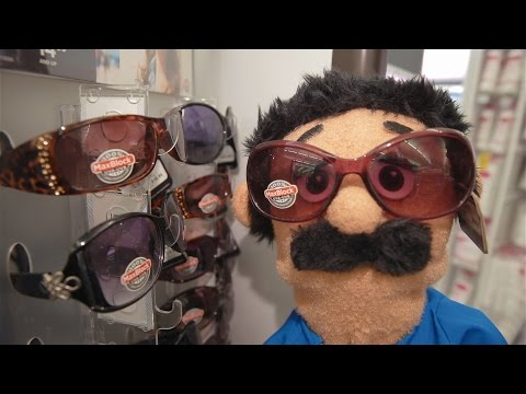 Diego Sneaks Out | Awkward Puppets