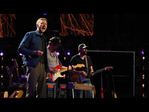 Tyler Childers - Help Me Make It Through The Night (Live at Farm Aid 2021)