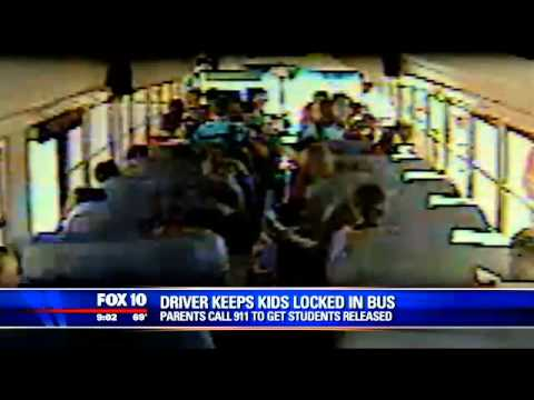 Driver keeps kids locked in bus as parents call 9-1-1