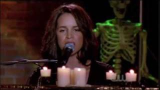 Laura Izibor - Can't Be Love (One Tree Hill - 806)