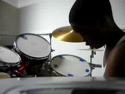 Willie-Tye Tribbett-Hold on(drum cover)