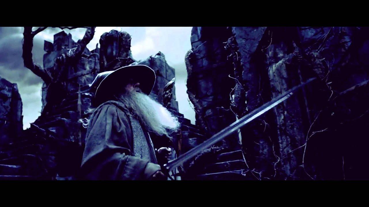 the hobbitt a heroes journey Bilbo baggins actor martin freeman, left, and director peter jackson on the set of  the hobbit: an unexpected journey (todd eyre / warner.