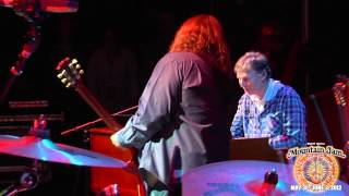 "Steve Winwood (ft. Warren Haynes) - ""Gimme Some Lovin"