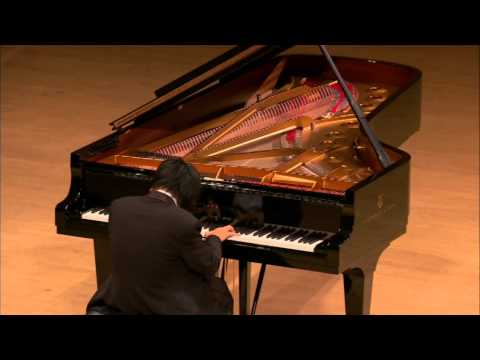 Pianist in tears!!! Most moving piano performance