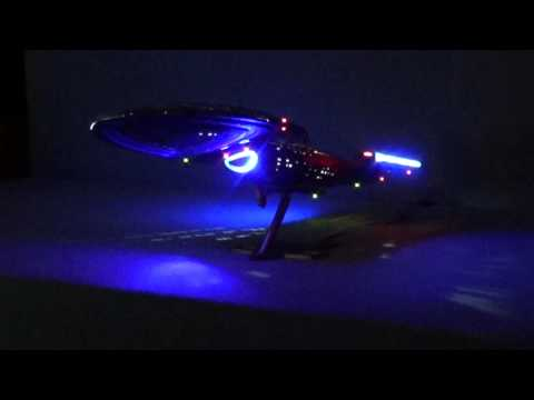 AuBergewohnlich U.S.S. Voyager (Star Trek) Modell Mit LED Beleuchtung   Full Download