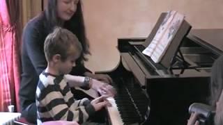 Hugo Leverdez: son début musical Concert des petits élèves et le cocktail l'hiver 2005(?)