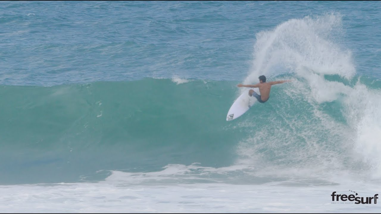 2d0758841da8e1 Junior Segment   Oahu s Robert Grilho at Home - Freesurf Magazine ...