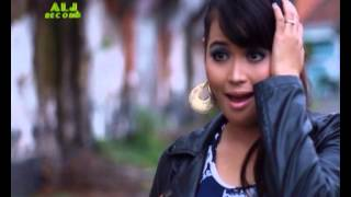 Video DIAN ANIC HOT DANGDUT MIX 2013 - GALAU BERAT (GA-BER) download MP3, 3GP, MP4, WEBM, AVI, FLV Oktober 2017