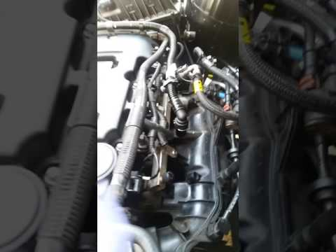 Changing out Intake Manifold on Chevy Cruze Turbo 1 4L - YouTube