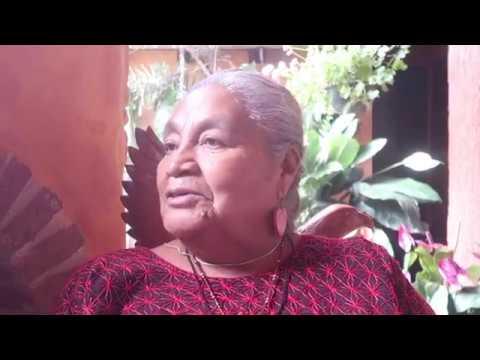 Interview de Doña Queta - Curandera & Partera à Oaxaca, Mexique. Par M. Drake.