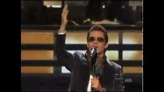 Marc Anthony - Tu Amor Me Hace Bien (Latin Grammys 2010).mp4
