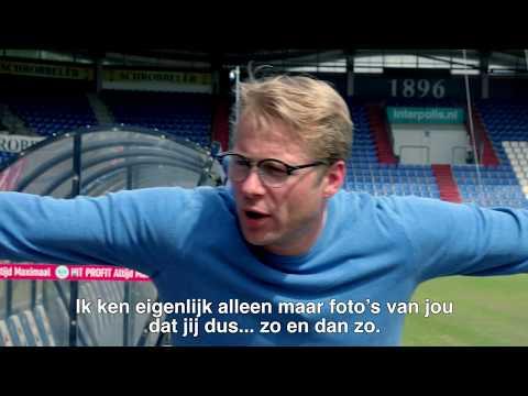 Leo Alkemade geeft een Ticket to Tilburg aan… Yuri van Gelder