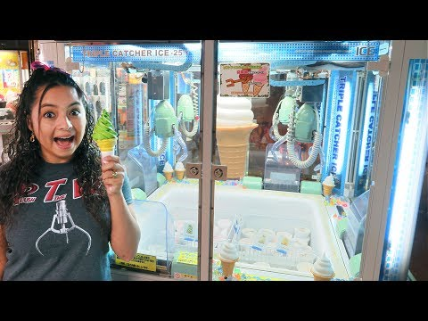 We FOUND an ICE CREAM Claw Machine!!!