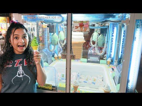 We FOUND an ICE CREAM Claw Machine!!!