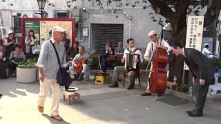 東京大衆歌謡楽団 - 夕日は落ちて