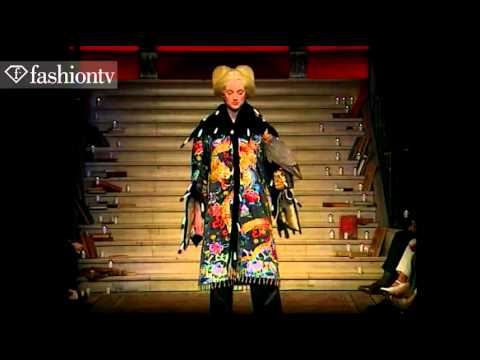 Alexander McQueen for Givenchy Fall 1997 Couture   FashionTV1
