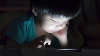 WHO khuyến cáo trẻ dưới 1 tuổi không nên xem tivi