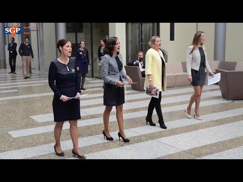 SGP Flashmob: Amazing Grace in de Tweede Kamer (House of representatives)