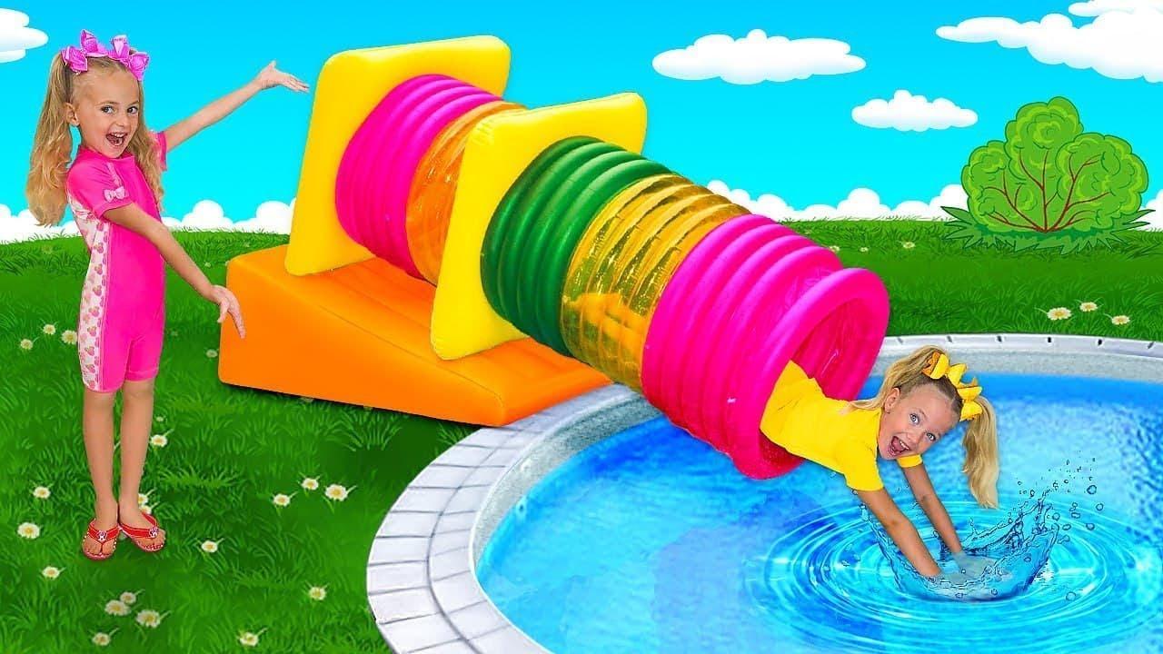 勇敢なスーパーヒーローとしてのスラバとディマは王女を救出し、プールで泳ぐことを学びます
