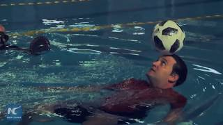 Cuban sets two records in soccer ball dominance in the water