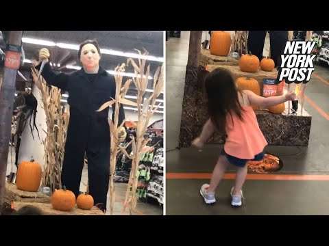 Kat Jackson - Girl Dances to Halloween Theme with Michael Myers