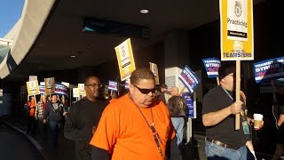 UAL IBT Teamster Mechanics At   SFO Picket For A Contract On Eve Of Thanksgiving Holiday