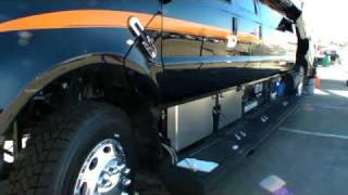 超豪華かつ機能的なモンスタートラックをご紹介! thumbnail