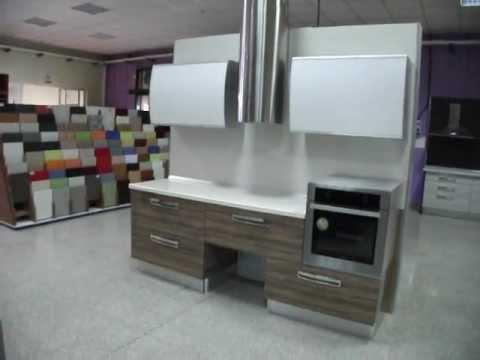 Cocina moderna con tiradores con luz autom tica youtube - Tiradores de cocina ...