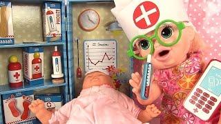 Valise de Docteur Vilac Poupée Baby Alive Sarah et Poupon Corolle Malade