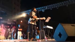 Gambar cover Challa - Rabbi Shergill (Live Performance at Punjabi University)