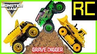 Monster Jam Monster Trucks RC Grave Digger vs Construction RC