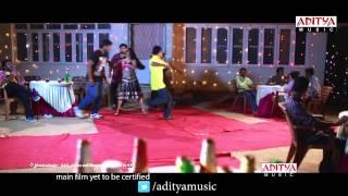 Snehame Thoduga Telugu Movie - Rajahmundry Centerlo Promo Song - Venky,Priyanka