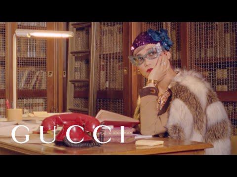 Von Gucci bis Chanel – Bücher sind Trend! Diese Werke sollte man jetzt lesen
