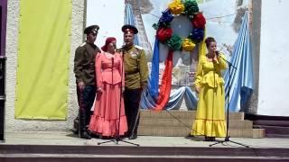 поют   казаки