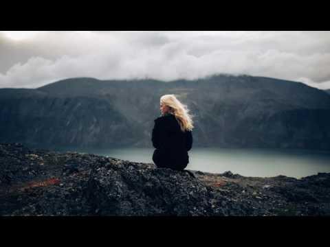 Kosh Anade - Her Lips