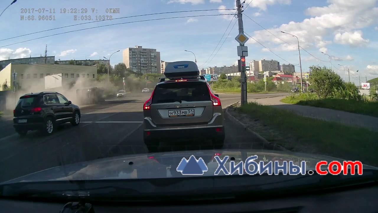 ДТП Мурманск, грузовик с щебнем раздавил автомобиль
