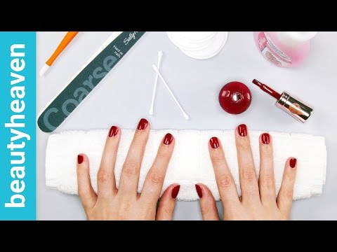 What Are SNS Nails?