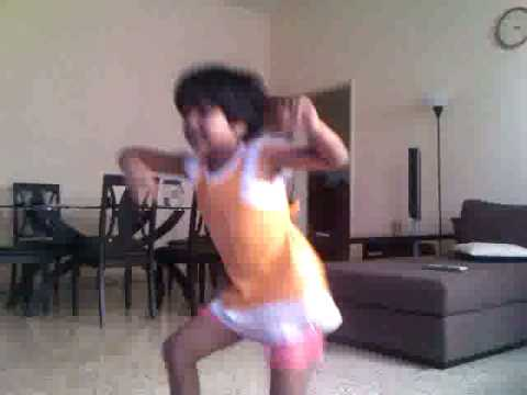 Annu's Solo Dance On Race from movie Race