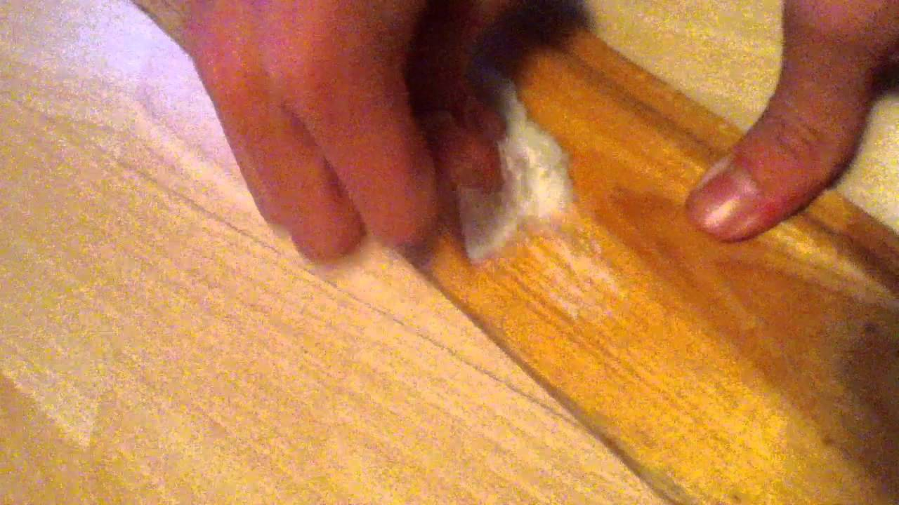 kugelschreiberflecken entfernen mit zahnpasta so geht 39 s. Black Bedroom Furniture Sets. Home Design Ideas
