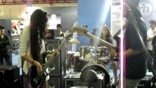 Music Malaysia - Hot Chicks On Bass & Drums