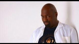 "Frankie Knuckles 2 hr radio interview. House retrospective with music selection. ""6 Mix"" (BBC) 2011"