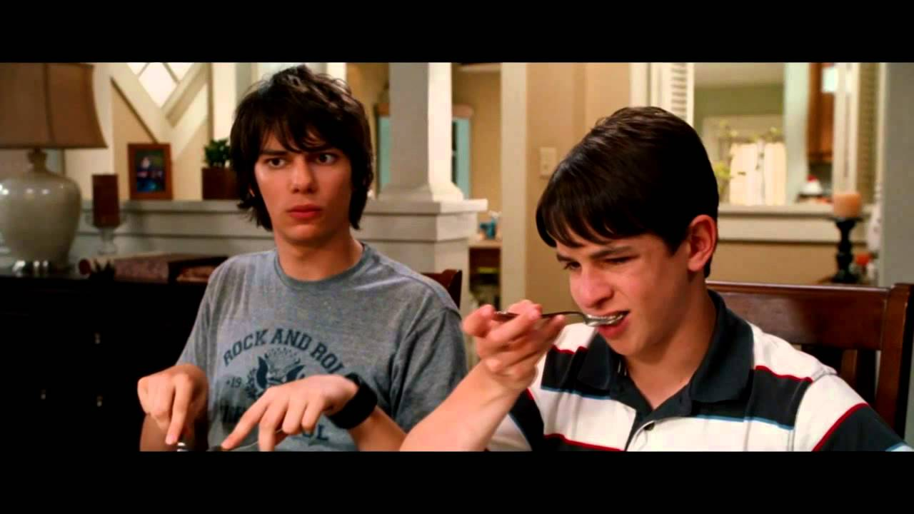 Diary Of A Wimpy Kid Dog Days Out Now Youtube