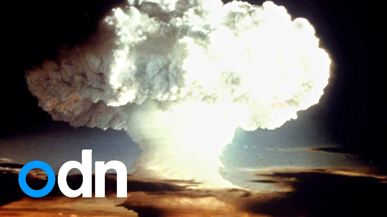 an analysis of the atomic bomb in world war 2 produced by the manhattan project on the united states
