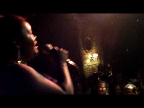 The Fugees - Killing Me Softly (Hip Hop Karaoke Toronto, May 21, 2010)