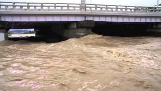 130916台風が去った後、濁流の賀茂川