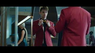 Майкл рассказывает план ограбления казино–За гранью реальности (2018)–Момент из фильма