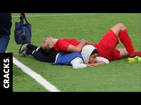 El Gallo Por La Mañana - Recoge Pelotas Le Salva La Vida A Un Futbolista,