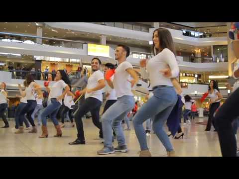 Montreal Downtown - Canada | Dominican Republic Bachata and Merengue