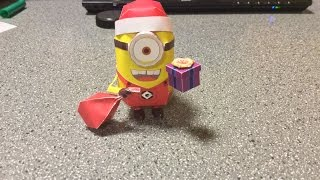 Despicable Me Papercraft: Christmas Minion