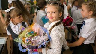 1 сентября ДЕНЬ ЗНАНИЙ! Фея крестная помогает СуперСофи собраться в школу!!!